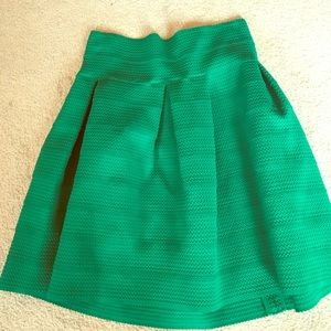 Green pleated flare skirt with fitted waist!